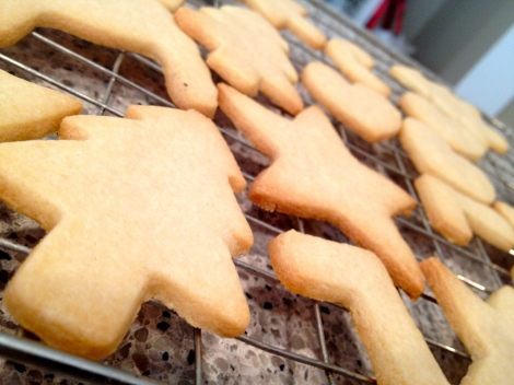 Butter cookies cooling